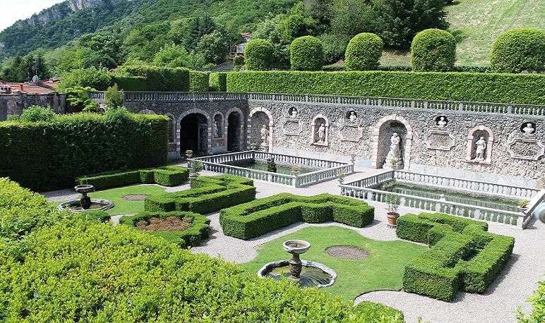 Cicogna.Mizzoni.walled.garden RE