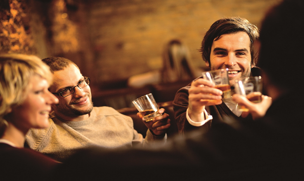 Manners-whisky-stories-whisky-met-vrienden RE